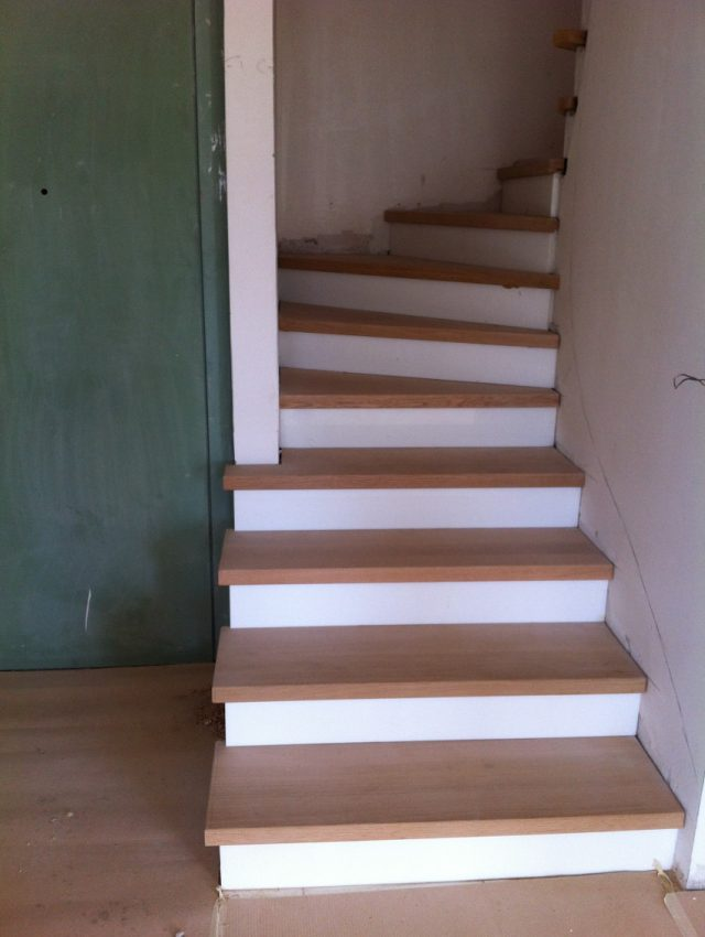 Ξύλινη σκάλα BRISIA