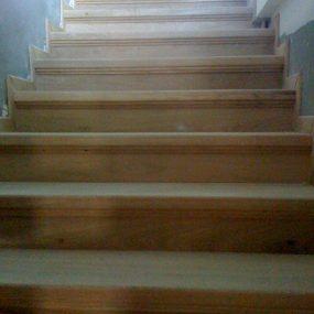 Ξύλινη σκάλα SANZIA