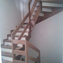 Ξύλινη σκάλα DEA