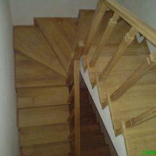 Ξύλινη σκάλα CALIDA