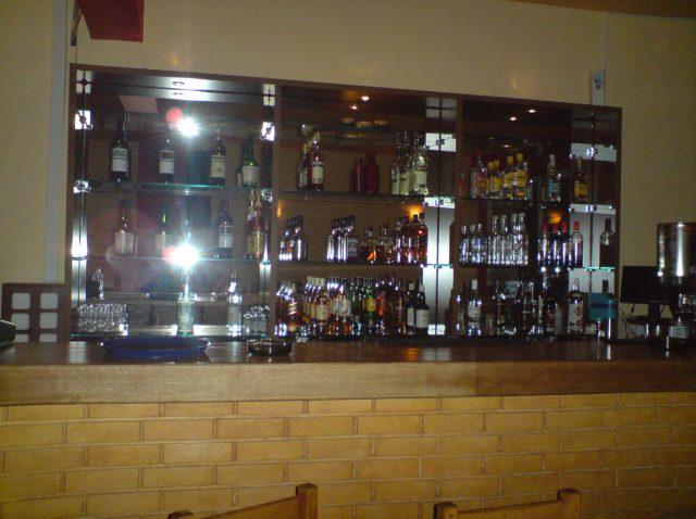 Ξύλινες κατασκευές – κατάστημα Bar στο Ζαγόρι