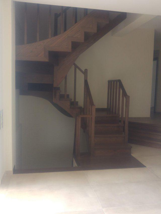 Ξύλινη σκάλα EVE