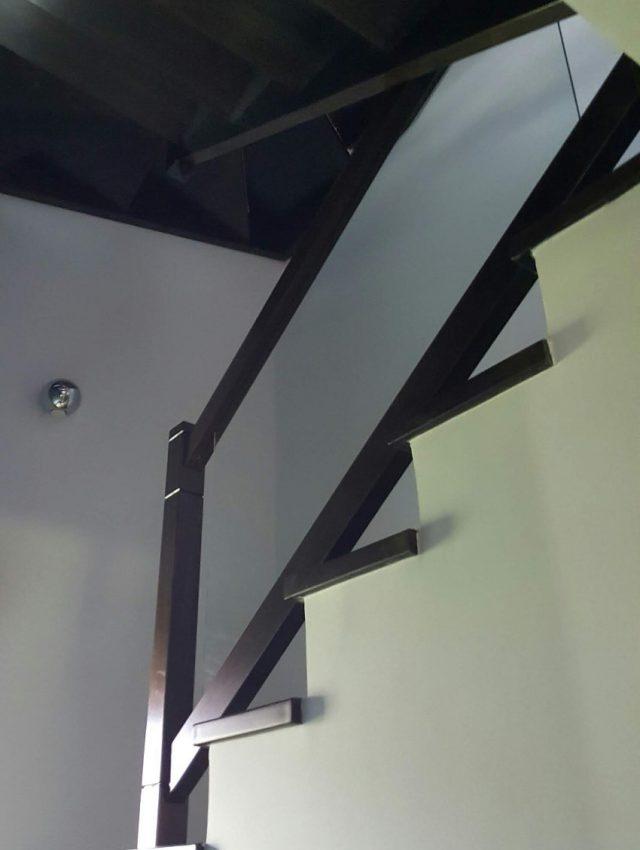 Ξύλινη σκάλα GRUS