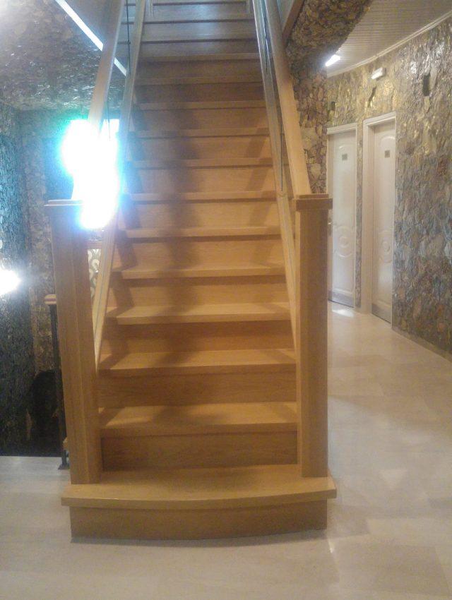 Ξύλινη σκάλα LIBIA
