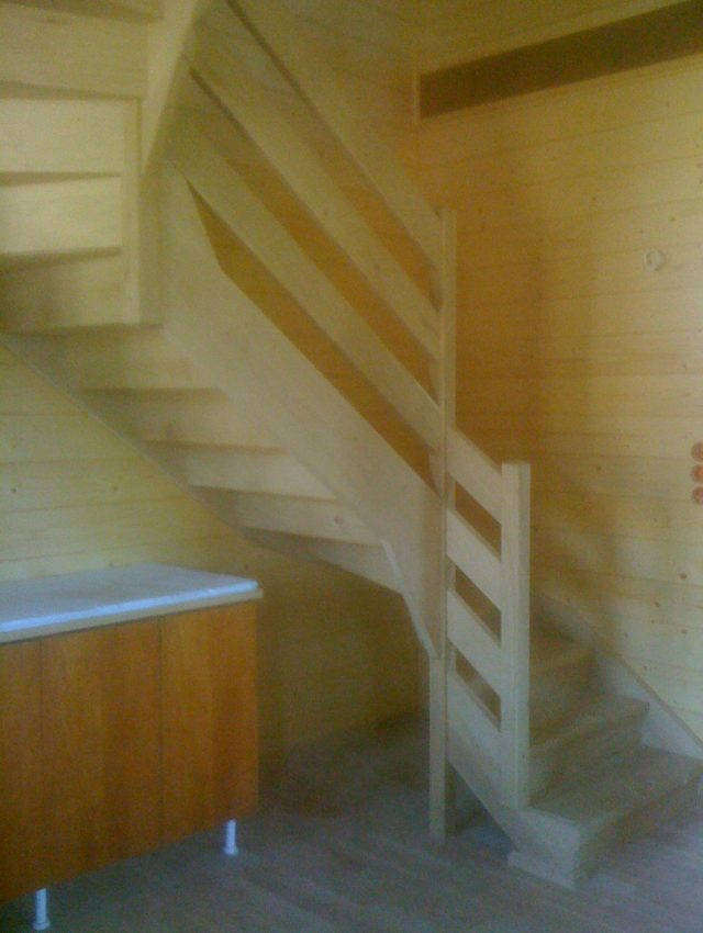 Ξύλινη σκάλα VIRGEN
