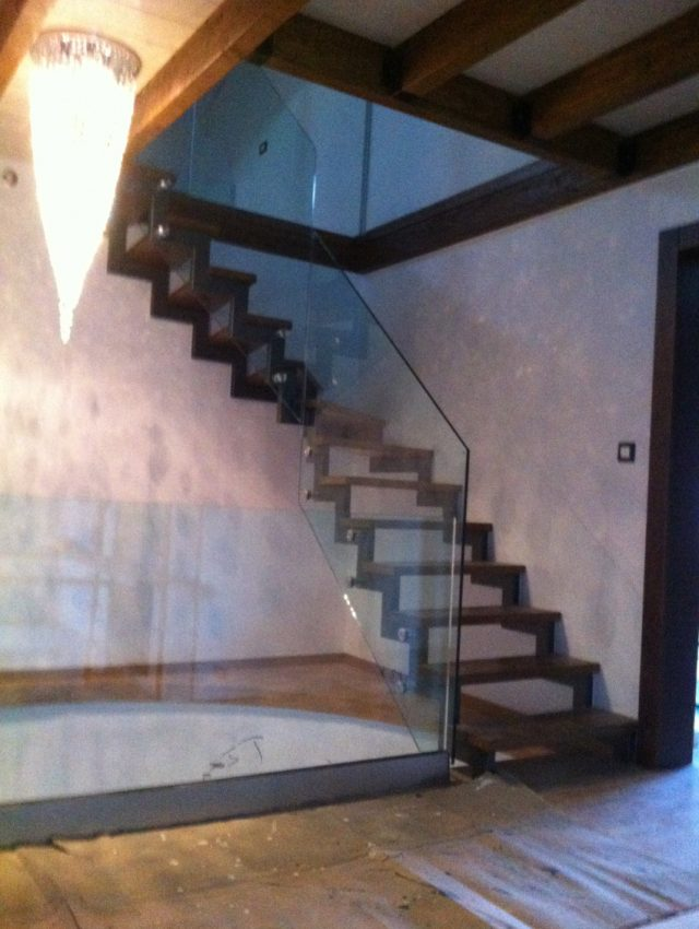 Ξύλινα σκαλοπάτια ZOE